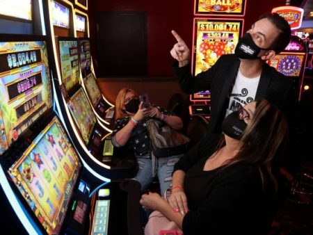 Slot Machine Expert Brian Christopher Sticking to Smoke-Free Casinos